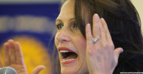Bachmann-yell-full-expires