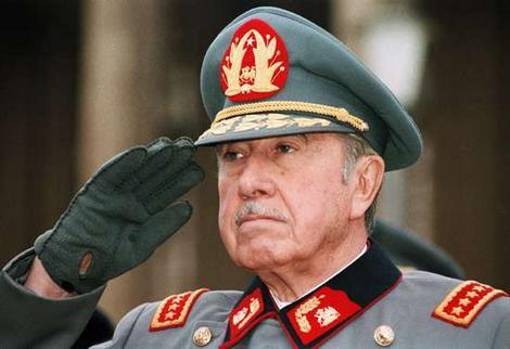Pinochetsalute